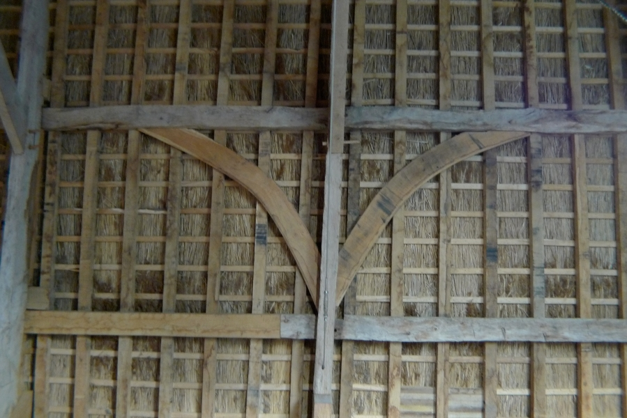 Barn roof restoration | Oak Timber Framing & Carpentry in France