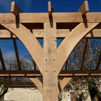 oak frame, timber frame, carpentry, carpenter, maison colombage, veranda, oak veranda, Dordogne, France, traditional oak frame