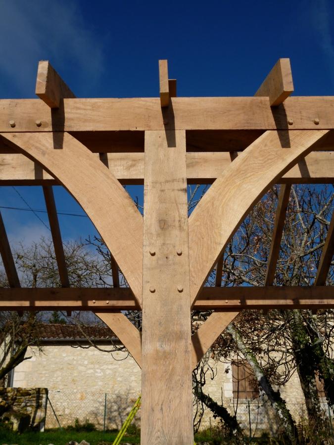 Traditional Curved Oak Braces Oak Timber Framing