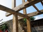 charpente traditionnelle, chêne vert, ossature, poteaux, sablière, agrandissement
