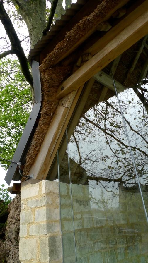 restauration, charpente de toit, charpente traditionnelle, charpente en chêne, chêne vert