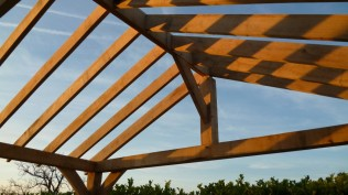 timber framing, oak, green oak, wind brace, top plate, oak garage, Dordogne, France