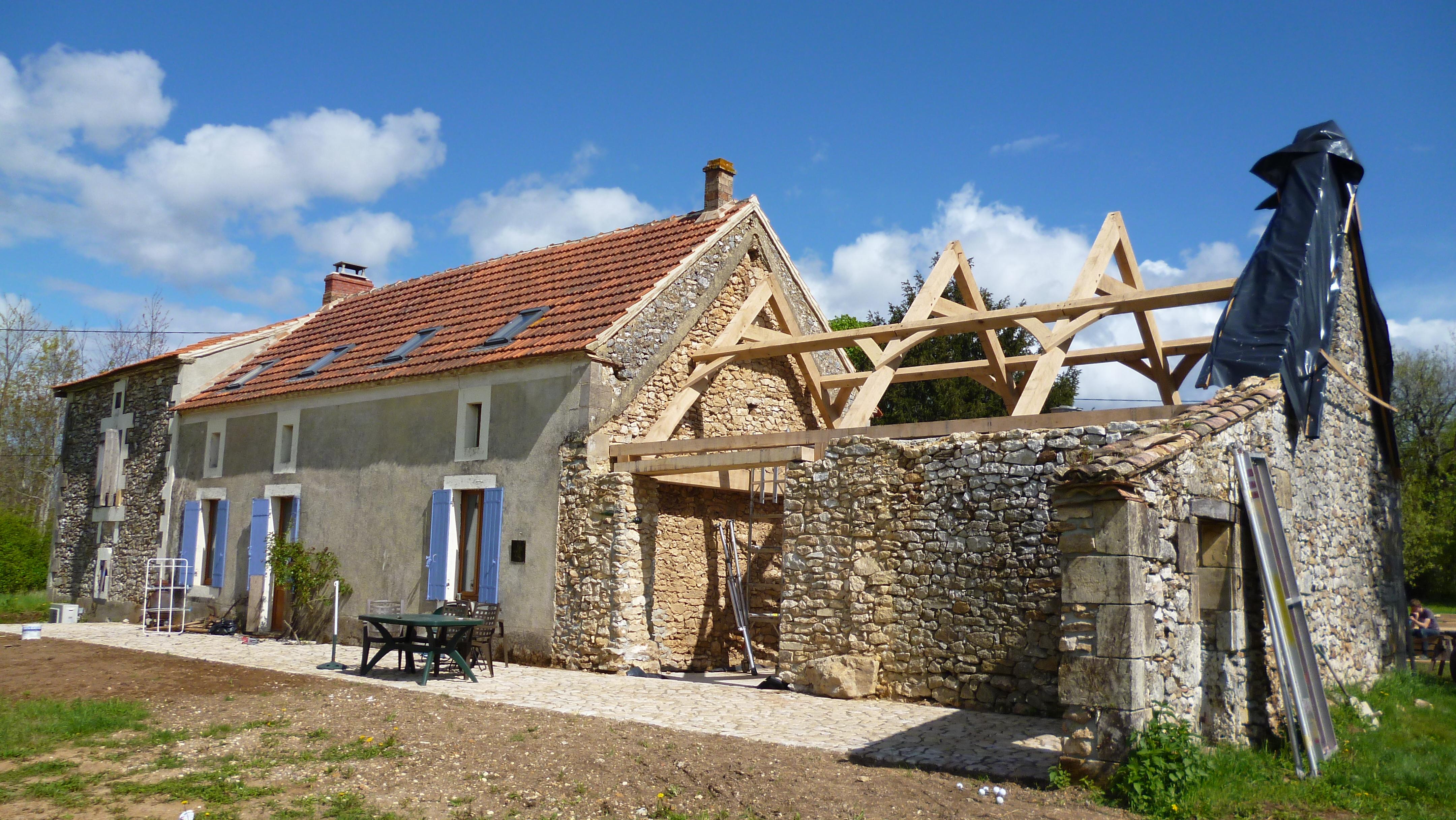 Am nagements de granges oak timber framing carpentry in france - Amenagement de grange ...
